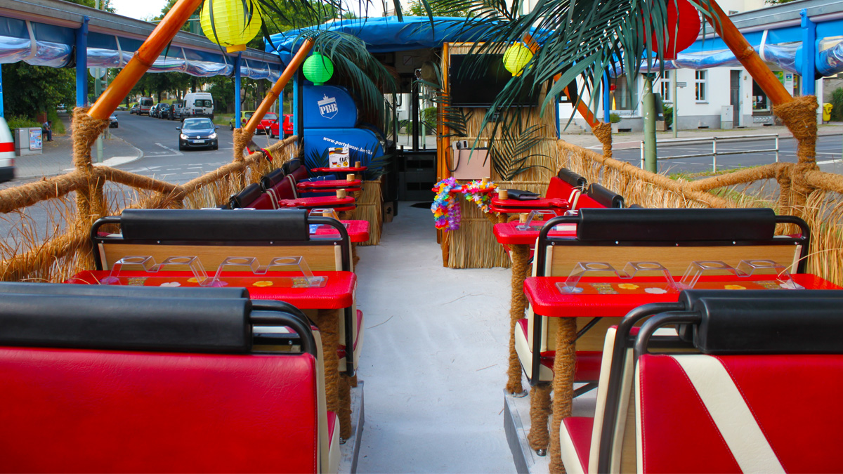 Karibik Partybus mieten Berlin - Gastraum