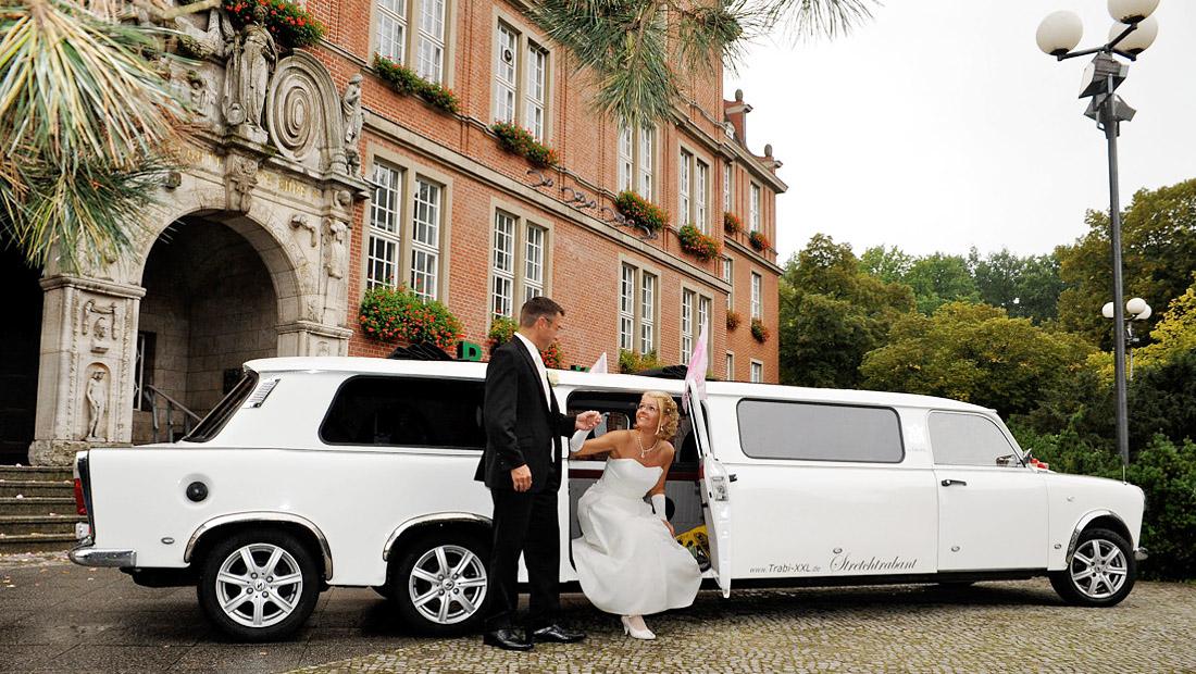 trabant limousine mieten berlinlimo24 telefon 030. Black Bedroom Furniture Sets. Home Design Ideas