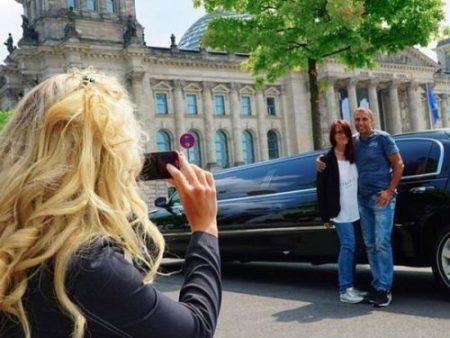Lincoln Stretchlimousine mieten Berlin Fotostopp